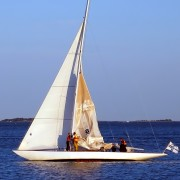 How to deal with a sailing emergency