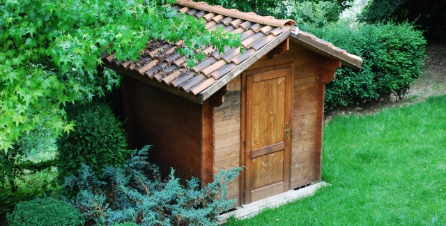 Build your own inexpensive storage shed