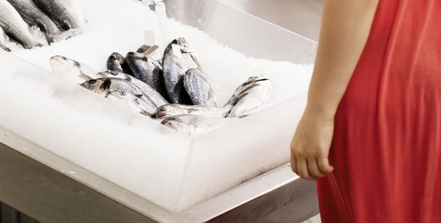 11 tips for buying the freshest meat and fish