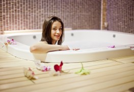 simple guide to cleaning your hot tub smart tips