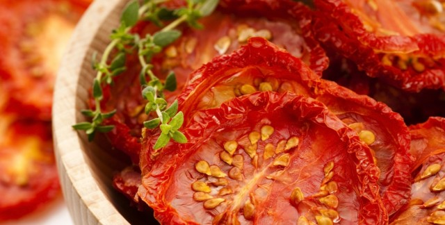 3 easy ways to preserve garden tomatoes