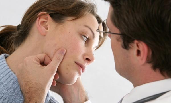 Des trucs pour guérir l'eczéma au visage
