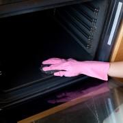 Une cuisinière propre en 7 points faciles