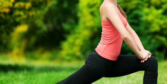5 positions de base pour s'initier au yoga