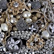 Préservez l'éclat de l'argenterie et des perles