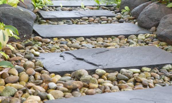 11 conseils pour construire chemins et escaliers de jardin for Construire un escalier au jardin