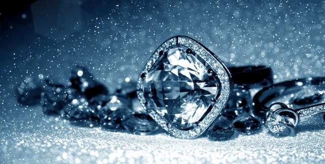 8 astuces simples pour nettoyer vos bijoux en argent