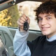 6 conseils pour assurer les jeunes conducteurs sans se ruiner