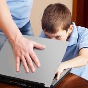 Guide Internet à l'attention des parents: 3 dangers
