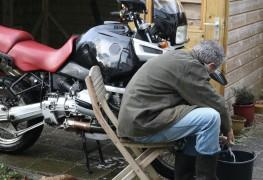 Comment entretenir le chrome d'une moto en 3 étapes