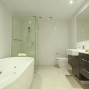 Rénovation de la salle de bains: bain ou douche?