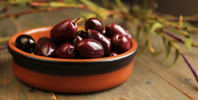 Amuse-bouche d'olives Kalamata marinées