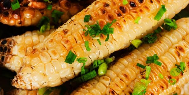 8 délicieuses garnitures pour le maïs grillé