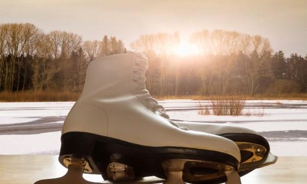 la diff rence entre les patins de hockey et les patins. Black Bedroom Furniture Sets. Home Design Ideas