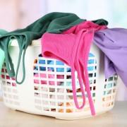 Lessive : comment nettoyer l'acétate, l'acrylique et l'alpaga