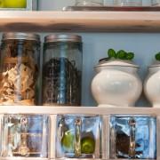 Quelques conseils pour organiser vos armoires de cuisine