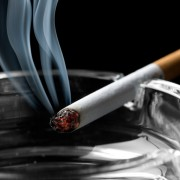 Comment enlever l'odeur de fumée sur les vêtements