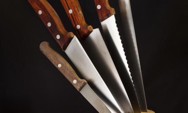 comment choisir un couteau de cuisine trucs pratiques. Black Bedroom Furniture Sets. Home Design Ideas