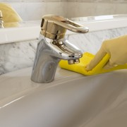Combattez efficacement les taches d'eau