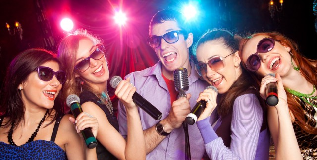 4 bonnes occasions d'organiser une soirée karaoké