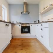 Différences entre 3 types de revêtement de sol pour la cuisine