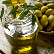 Santé cardiaque: huile d'olive ou huile de noix de coco?