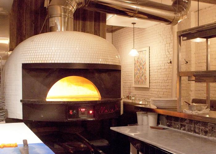 Restaurant foyer montr al portrait de l entreprise for Equipement de restaurant montreal