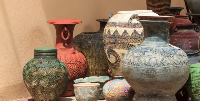 Trucs pratiques pour nettoyer des objets divers : poterie et faïence