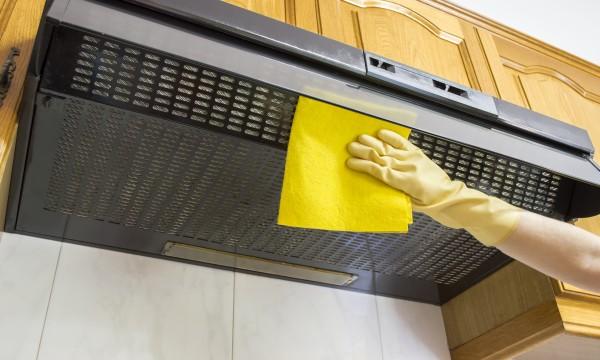 trucs utiles : nettoyer étape par étape une hotte aspirante et une ... - Nettoyage Grille Hotte Cuisine