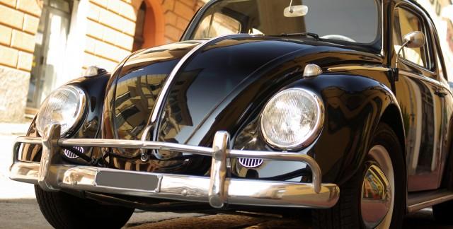 Solutions faciles pour desbosses, deségratignures sur une automobile etl'aspect terne de la peinture d'automobile