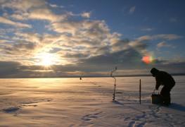 2 raisons d'essayer la pêche sur la glace en hiver