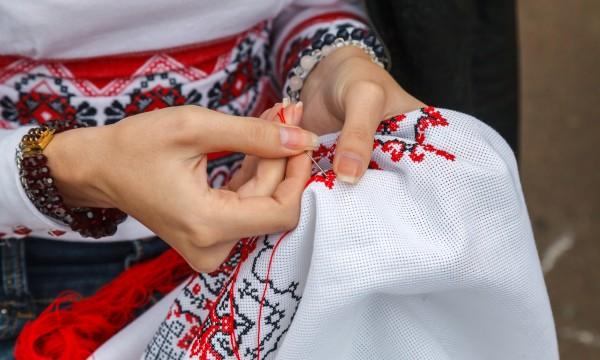 Tout ce que vous devez savoir pour commencer la tapisserie - Comment enlever de la tapisserie facilement ...