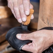Pour être bien chaussé, le cordonnier est votre allié