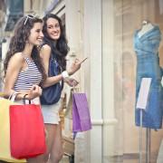 Mode et magasinage: trucs pour économiser sans se priver