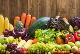 Grignotez sainement avec des fruits et légumes crus