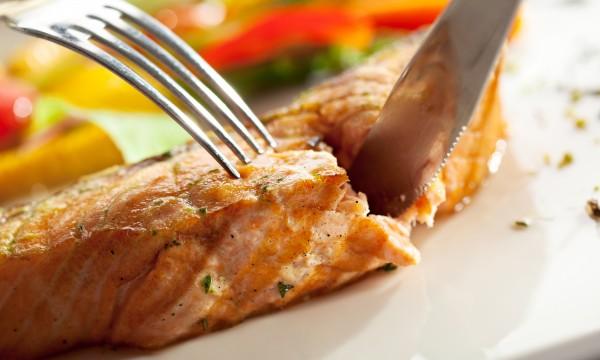 Comment obtenir un saumon au four croustillant trucs - Cuisiner du saumon au four ...