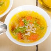 Soupe méditerranéenne aux légumes grillés