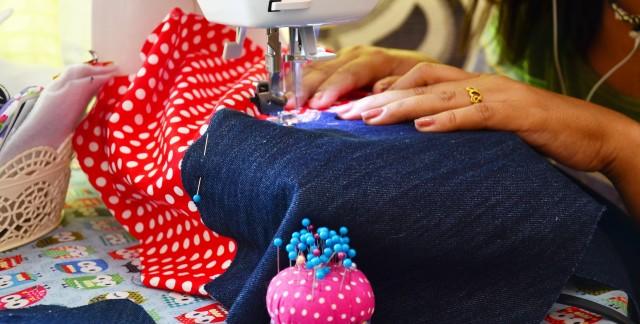 5 idées stylées de couture pour étirer le budget vêtements de vos enfants