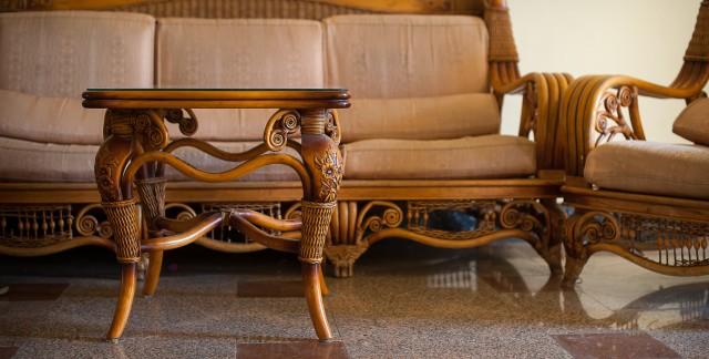 Comment nettoyer des meubles cirés, vernis, laqués ou en bois peint