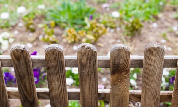 5 facteurs consid rer avant de construire une cl ture de for Construire une cloture de jardin