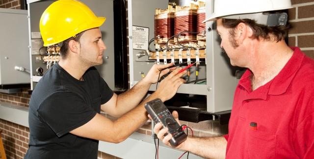Le maître électricien: pour des travaux exécutés… de main de maître!