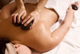 Le massage aux pierres chaudes: un incontournable!