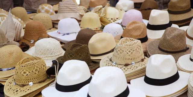 L'histoire des chapeaux etd'autres couvre-chefs en bref