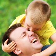Quoi offrir à un papaqui a déjà tout pour la Fête des Pères