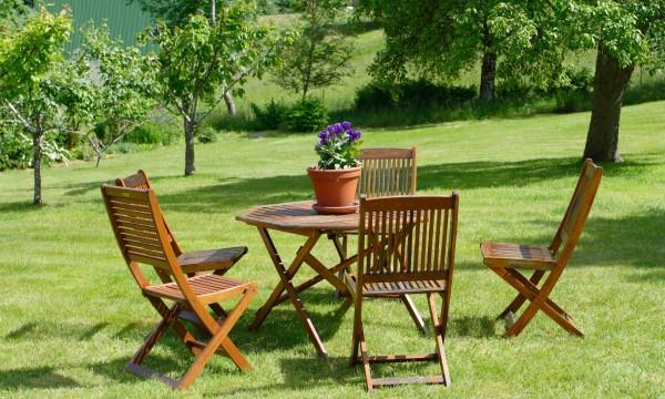 Comment entretenir le mobilier de jardin trucs pratiques - Le mobilier de jardin ...