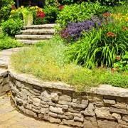 Idées et conseils faciles d'aménagement paysager de week-end