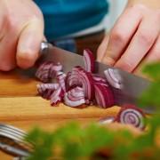 10 astuces pour éliminer les taches et les odeurs de nourriture