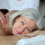 Le massage pour personnes âgées : une magie trop peu pratiquée