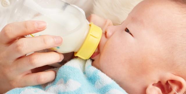Comment économiser de l'argent en allaitant ou en donnant lebiberon