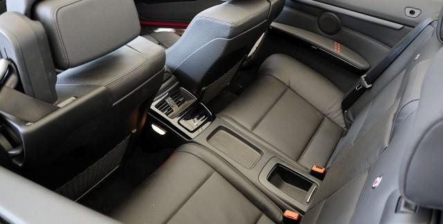 comment restaurer les si ges en cuir de votre voiture trucs pratiques. Black Bedroom Furniture Sets. Home Design Ideas